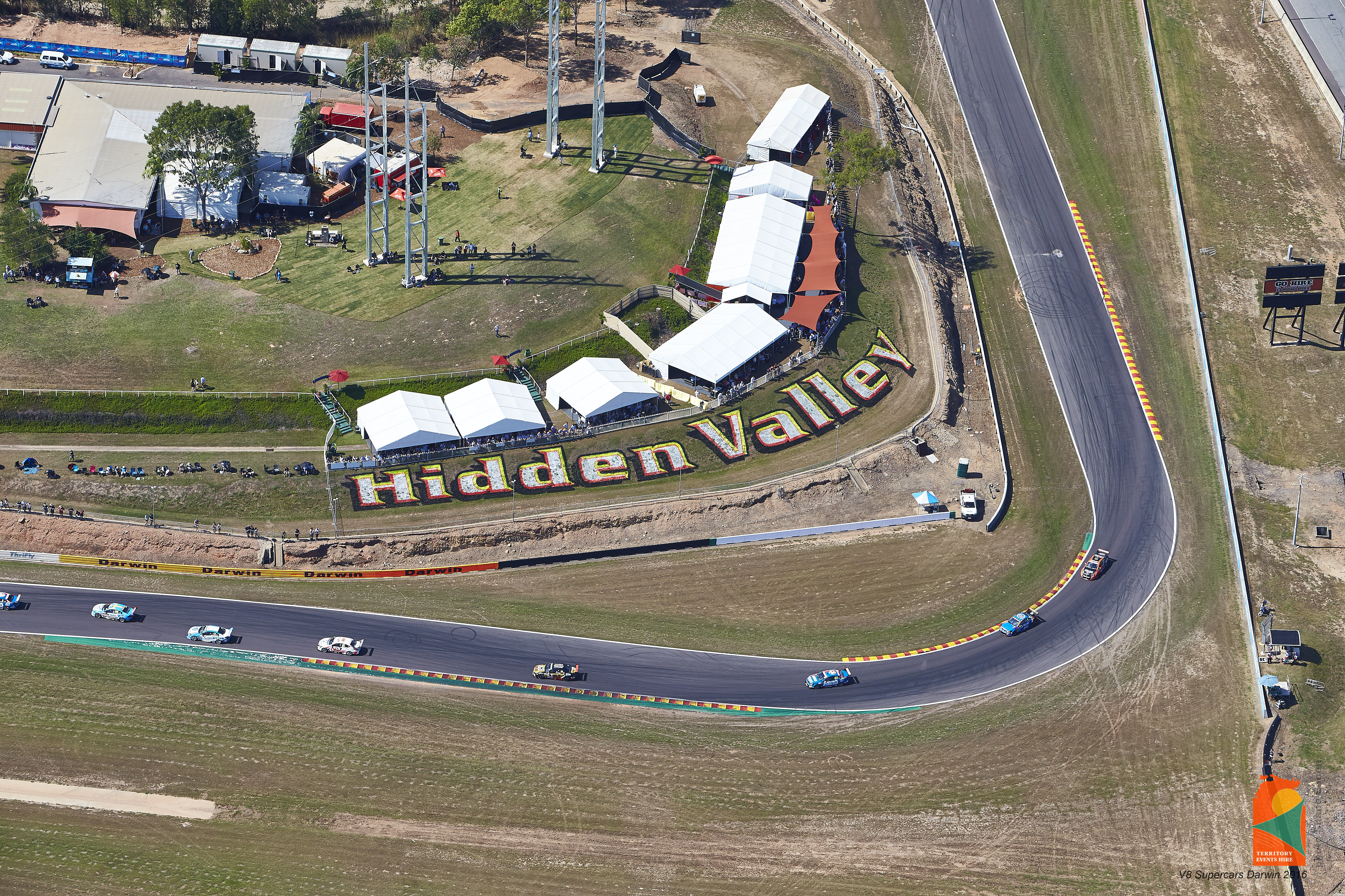 v8 supercars racetrack