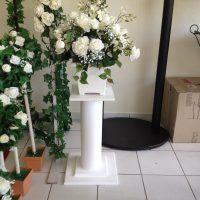 flower spray with pedestal